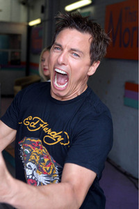 John Barrowman :D Hes crazy and he KNOWS it and i cinta it!