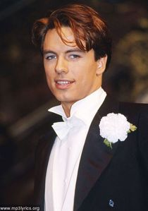 John Barrowman♥ Couldnt get a full picture sorry..
