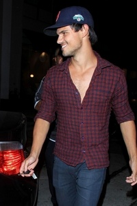 Taylor Daniel Lautner! :) on his way to a game