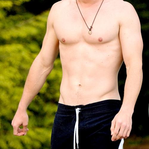 Heheh.. Hemsworth))