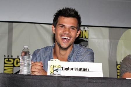 Taylor Daniel Lautner! Cosmic Con 2012