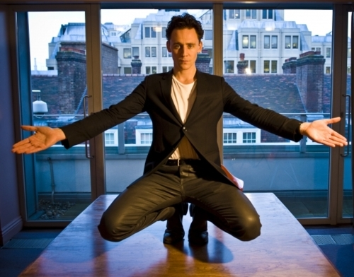 love his jacket, hate his truosers. Hiddles