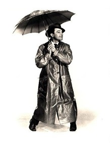 In 1952, Gene Kelly was chant and dancing in the rain. As we can see from the attached movie clip, Kelly might have been afraid of receiving a ticket from the policeman. Not at all! See for yourself!!!