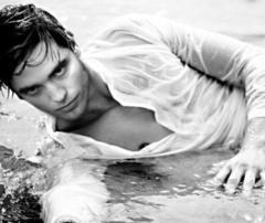my sexy Robert looking even sexier soaking wet.<3
