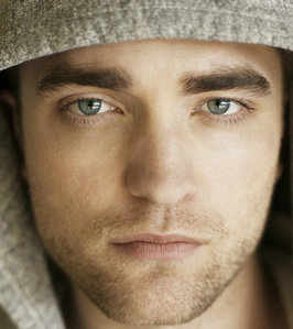 My sexy Robert and his gorgeous face close up.I could stare at his face FOREVER!!!<3