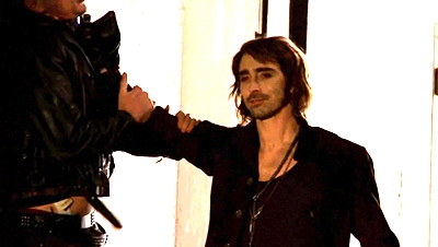 Gosh! Didn't know which one to choose but this one is one of my favourites <3 Lee as a vampire!
