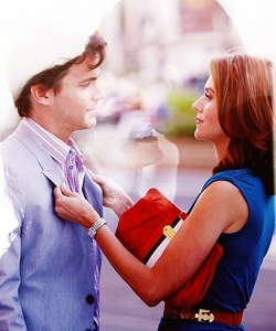 Neal & Sara from White Collar. They're actually my 4th favourite couple, behind Lucas/Peyton, Sawyer/Juliet & Nathan/Haley, but One árvore colina + lost finished ♥