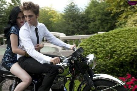 my HOT Rob on a hot rod!!!Gosh,I wish that was me behind him holding on to his waist<3