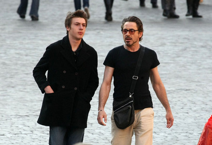 RDJ and Indio - their Holidays in Italy :))