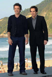 Rob and Ben :))) with the sea! :D