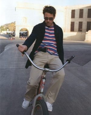 haha that's kind of the Rob way to ride a bicycle xD