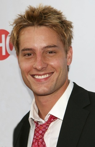 Justin Hartley, he's blonde (and 次 to Daniel Craig and Sean 豆 the only one on my list) Pic is from the CBS Summer TCA Party in 2008