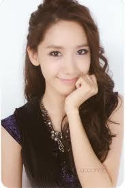 Yoona,because I think she has the biggest fanbase ! And I love Yoona♥