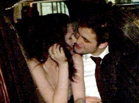 Robert leaning in to KISS Kristen after the Water for Elephants premiere<3