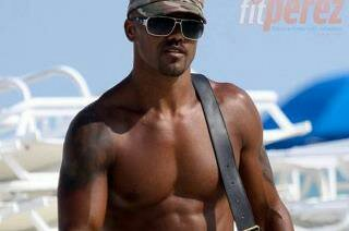Shemar Moore is a complete 10 duhhhh. I mean look at him