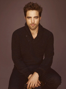 i just found this pic of my Robert like an گھنٹہ ago<3