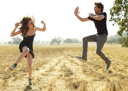 my Robert and Kristen Stewart being funny during their 2008 Vanity Fair photoshoot<3