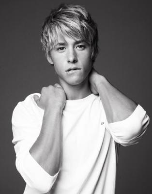 @.@ Mitch Hewer