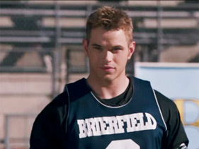 here is Rob's co-star,Kellan Lutz wearing a sport jersey from his movie,A Warrior's 심장