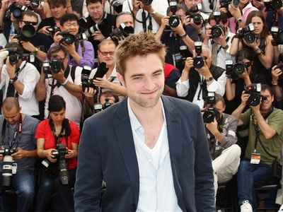 my Rob has the patience of a saint to be photographed oleh so many paparazzi.I would lose my mind being hounded 24/7.Leave my Rob alone,you paparazzi atau anda will have to deal with me!!!<3
