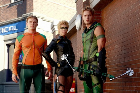 """Justin with Alan Ritchson (Arthur """"AC"""" Curry) and Alaina Huffman (Dinah Lance/Black Canary) in a promo pic for """"Odyssey"""""""