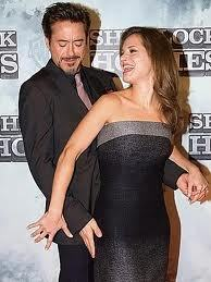 not only touching her butt but also giving her a clap - Downey 你 little durty bastard! xD