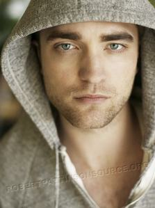 my sexy Robert in a hoody,which he wears a lot of the time,and looks sooooooo hot and sexy in every single one<3