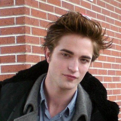 my Robert has such beautiful skin... and beautiful eyes beautiful lips a beautiful mouth. a beautiful jaw beautiful cheekbones I could go on and on and on...like the Energizer bunny about my Robert<3
