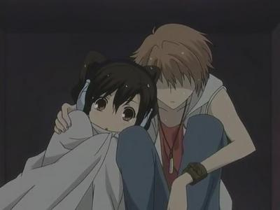 Haruhi was scared of thunder and lightning And now Hikaru is comforting her :]