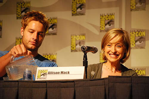 Justin with Allison (wearing a necklace) at the Comic Con 2008