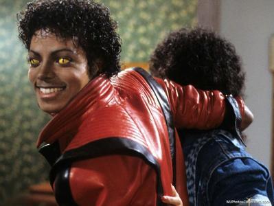 Michael Jackson in Thriller! :D