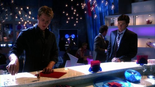 "Oliver (and Clark) at the bar of the ""Club of Aces"" (from ""Toxic"")"