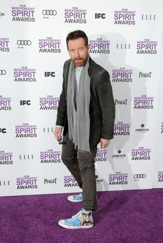 Bryan Cranston wearing himself on his own shoes