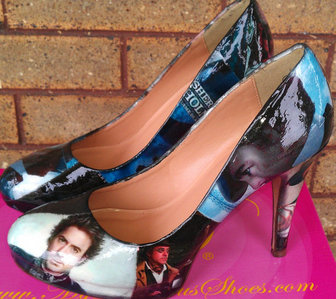 Sherlock Holmes Shoes from Etsy *-*