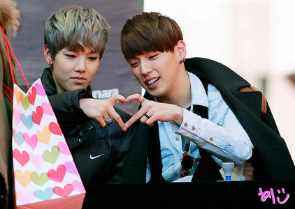 ❤Him Chan and Zelo❤ <3333 And gif...look at Zelo face haha: http://28.media.tumblr.com/tumblr_lzt6a7hyZi1qancn8o2_250.gif