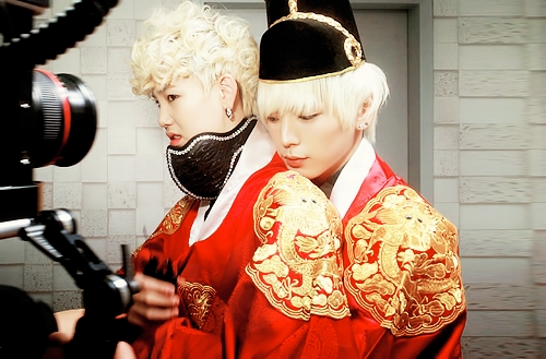 Mine http://dragon.mixrmedia.com/wp-uploads/ningin/blog/2012/04/himchan-zelo-gif.gif