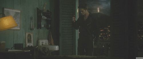 my Robert in a scene from New Moon.Nothing says excruciating like learning that your mate is dead,does it?My poor excruciatingly sexy Robert<3