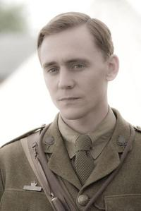 tom hiddleston yes hes blonde in thas pix and moive
