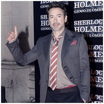 Downey with red undies! ^^