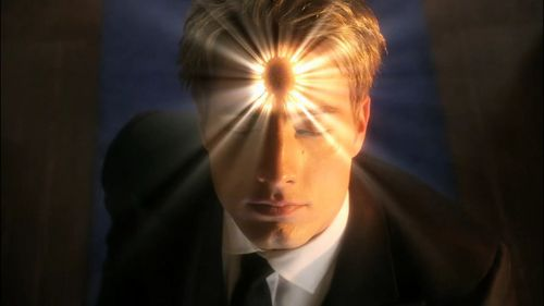 Justin in a 캡, 모자 from the finale of Smallville, when the Mark of Darkness is finally removed from him (*thank heavens*)