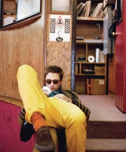 my sunny and sexy Robert in yellow pants<3