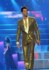 Sakis hosting Eurovision 2006, say hello to my golden boy