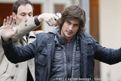 My poor Tom in troubles, good luck his partner Semir was close to him.