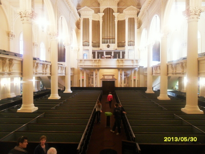 I haven't been here as well. Due to the fact that I was in Boston for the past 4 days (spring break). The picture is the Arlington strada, via Church. The organ has 3,640 pipes and the church has box pews on both main and 2nd floor.