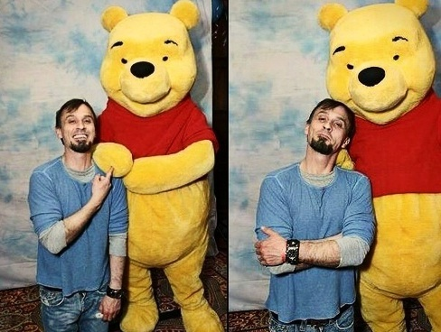 I have looooots of pics of Tony with stuffed animals, but of Rob there are only these