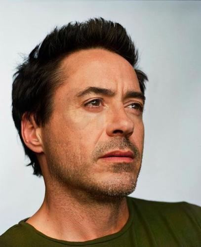 noooooo Mr. Downey look at meee! :D