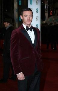 Luke Evans looking great :)
