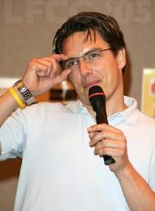 So hot wearing glasses!!! <3333