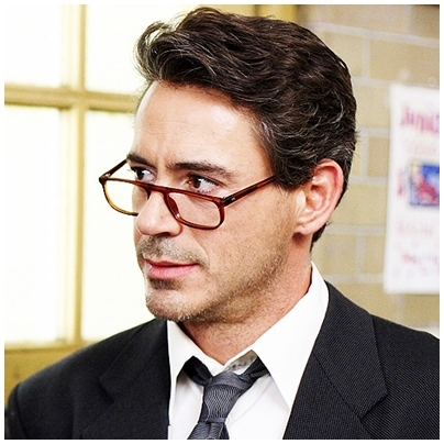 """RDJ in the movie """" Charlie Bartlett"""" - he plays a Professor ^^"""