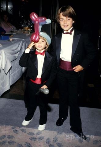 Little Matthew wearing white shoes. <333